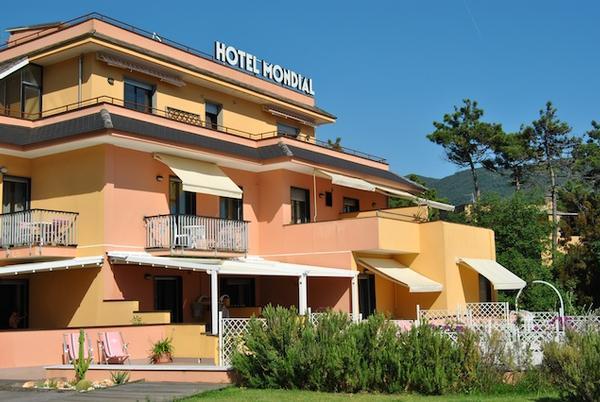 Hotel mondial moneglia moneglia genoa for Hotel moneglia